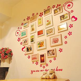 温馨卧室心形家居照片墙