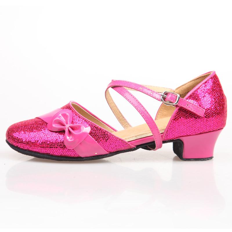 拉丁舞鞋儿童女孩软底搭配