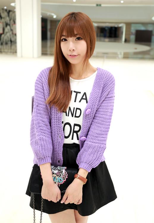 柔美的浅紫色毛衣外套