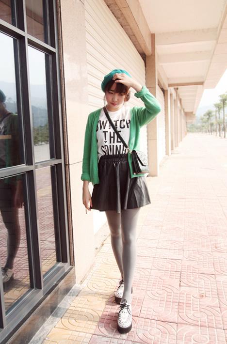 小皮裙搭配衣服图片