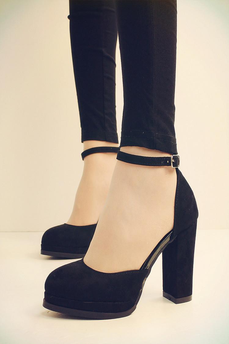 我的闲置 # vivi款 超美一字扣高跟鞋