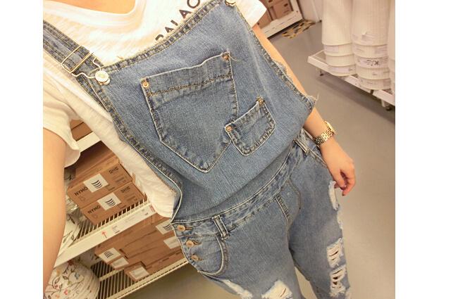 尺码材质 size 裤长:长裤  腰型:中腰 裤型:背带裤 面料:牛仔布 图案