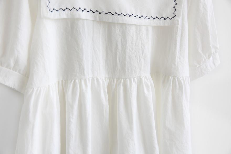 韩国海军风领口刺绣连衣裙