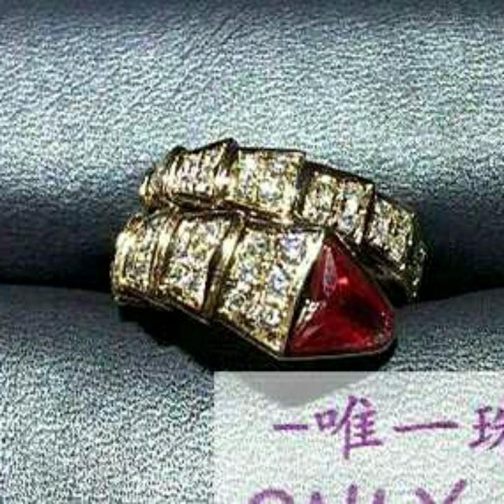 宝格丽蛇形戒指真金真钻