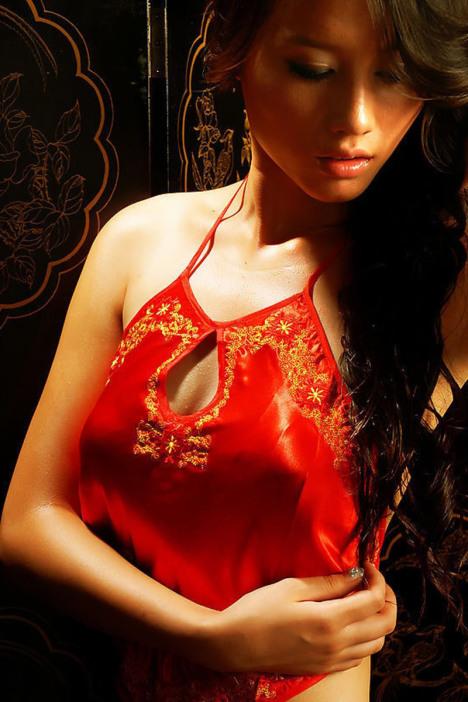 性感新娘内衣情趣肚兜睡衣v性感古典成人红女士肚兜兜套装包邮时装秀火情趣内衣实拍夜图片