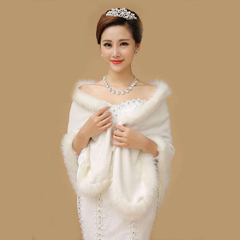 白色婚纱披肩搭配
