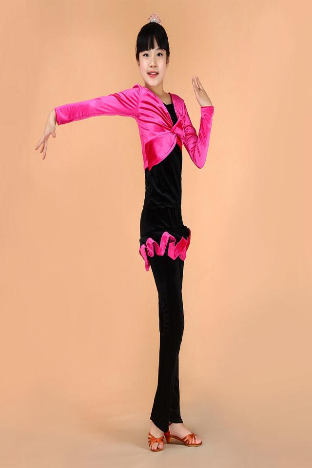 傣族孔雀舞演出服装搭配