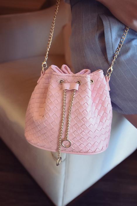 夏季手工编织水桶链条斜挎小包